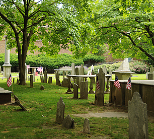 History_Historic-Colonial-Churchyard_02