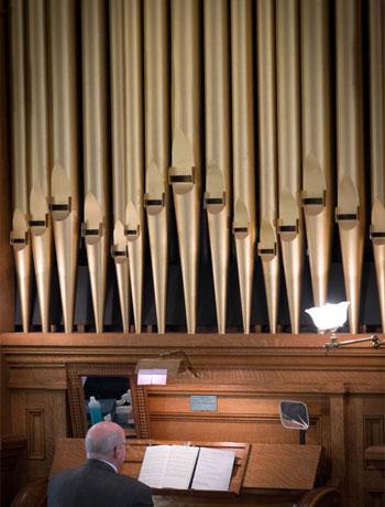 old-pine-organ